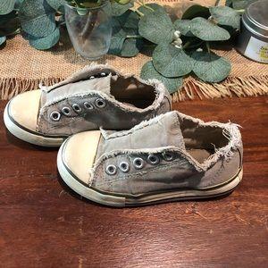 Gray lace less mini Boden sneaks